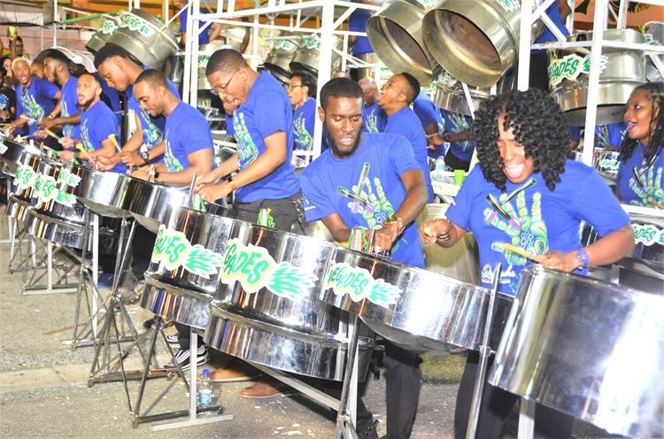 RENEGADES TOPS LARGE BANDS PRELIMS ...